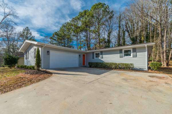 1873 Delphine Dr., Decatur, GA 30032